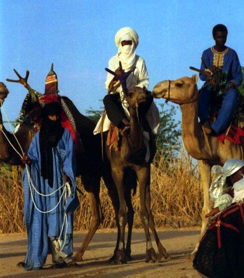 Tuaregs amb els seus camells
