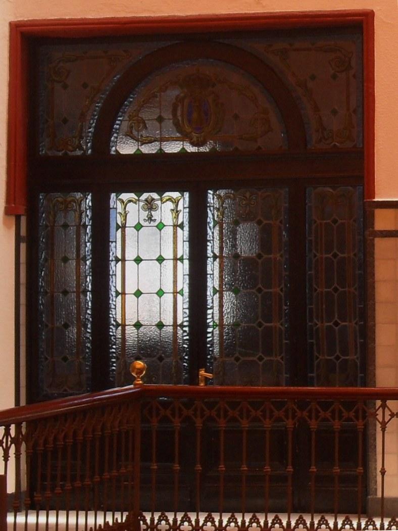 Entrada al Salón de plenos del Ayuntamiento de Algeciras