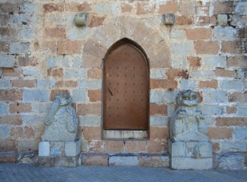 Porta de la torre del campanar de Burriana