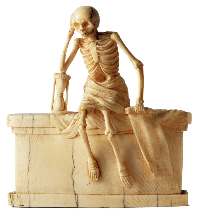 Squelette dans un linceul assis sur un tombeau, France, 1547 - musée des Arts Décoratifs Paris