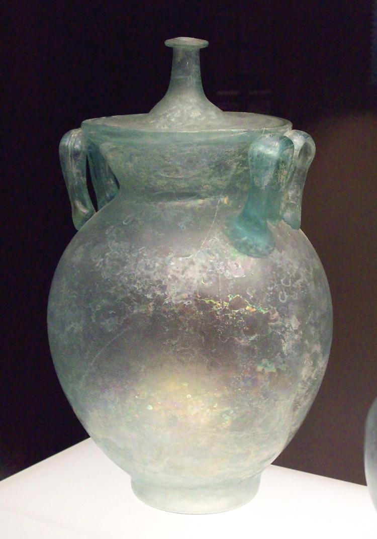 Urna cineraria romana de vidrio (M.A.N. Inv.1990-69-150) 01