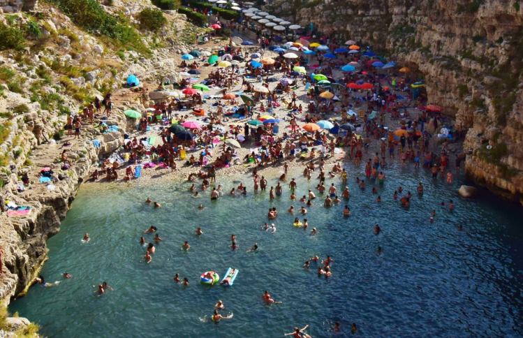 Polignano a mare Puglia -Donde va Vicente